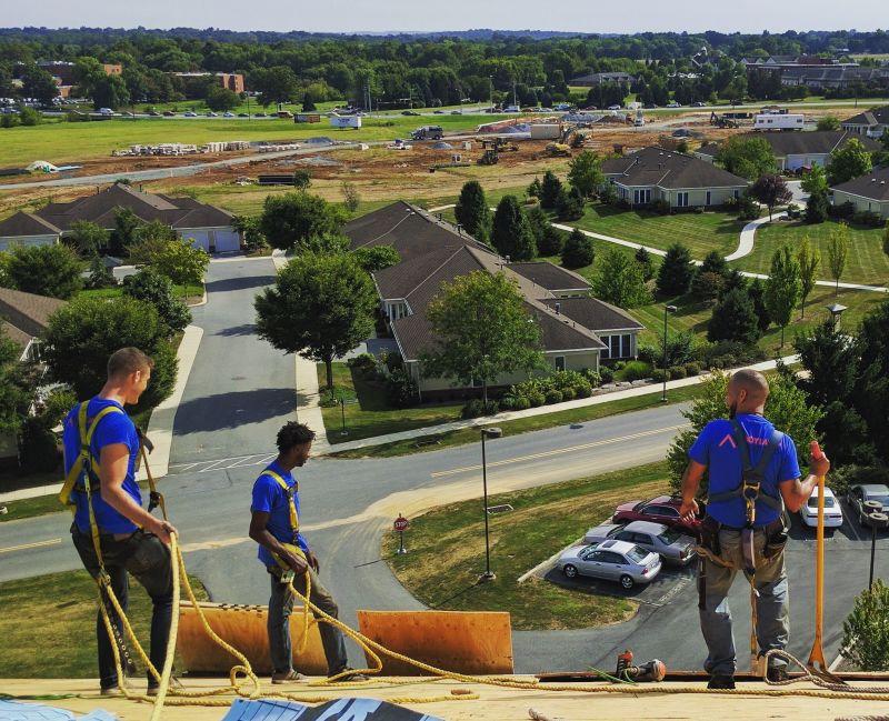 crew-working-joyland-roofing